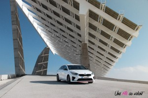 Kia Proceed GT blanc avant