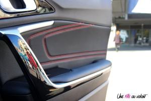 Kia Proceed GT porte surpiqures détail
