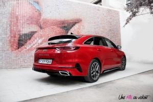 Kia Proceed GT arrière profil coffre rouge break 18 pouces