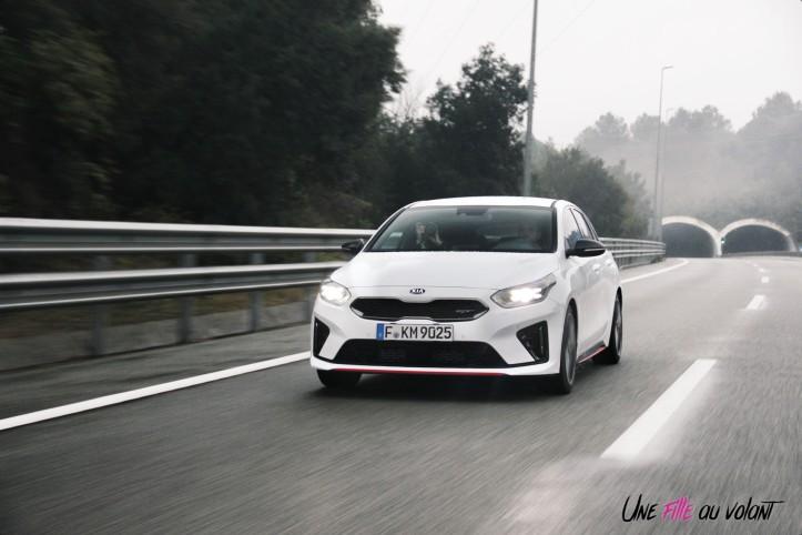 Kia Proceed GT dynamique avant calandre break
