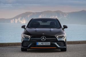 Mercedes CLA Coupé avant feux calandre logo
