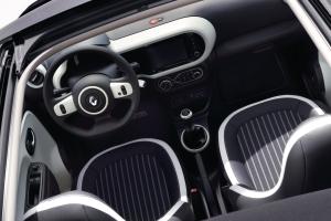 Renault Twingo intérieur sièges volant écran tactile