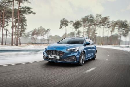 Ford focus ST avant calandre