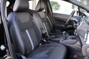 Nissan Micra N-Sport sièges avant alcantara