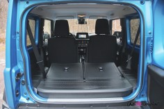 Suzuki Jimny coffre sièges intérieur
