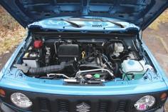Suzuki Jimny moteur essence détail