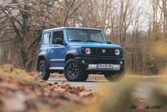 Suzuki Jimny jantes feux bleu essence 4X4
