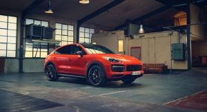 Porsche Cayenne Coupé 2019 avant statique orange calandre