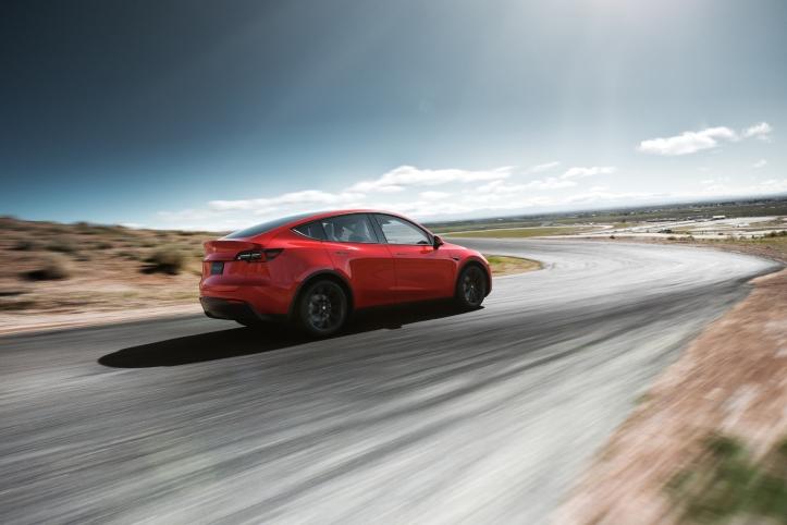 Tesla Model Y 2019 arrière rouge voiture électrique