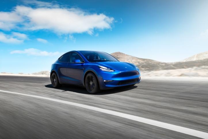 Tesla Model Y 2019 avant bleu voiture électrique SUV