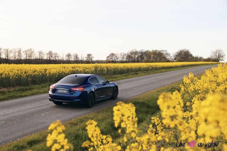 Maserati Ghibli profil jantes feux échappement V6