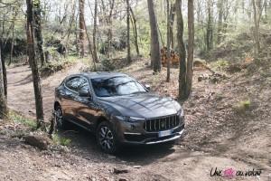 Maserati Levante 2019 SUV franchissement gris diesel