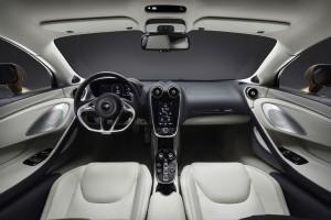 McLaren GT 2019 intérieur écran volant sièges