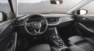 Opel Grandland X Hybrid4 intérieur volant écran