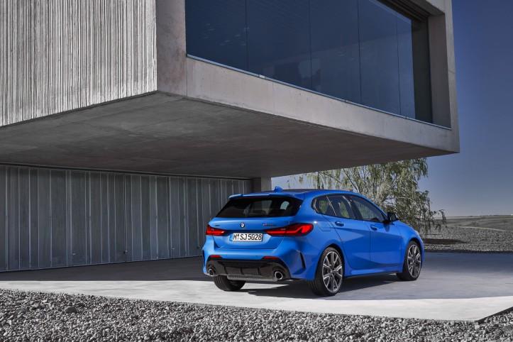 BMW Série 1 2019 arrière profil jantes statique feux