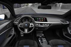 BMW Série 1 2019 intérieur volant sièges écran
