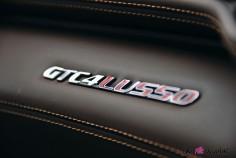 Ferrari GTC4 Lusso logo détail cuir intérieur
