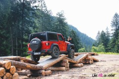 Jeep Wrangler Unlimited Rubicon 2019 rouge franchissement 4X4