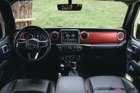 Jeep Wrangler Unlimited Rubicon 2019 intérieur planche de bord volant écran