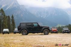 Jeep Wrangler Unlimited Rubicon 2019 profil quatre portes jantes 4X4
