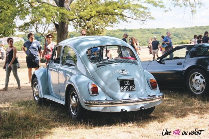 Traversée de Paris 2019 Volkswagen Coccinelle bleu meudon
