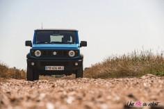 Suzuki Jimny 2019 face avant feux calandre bleu