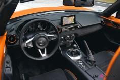 Mazda MX-5 30th Anniversary 2019 intérieur écran tactile volant