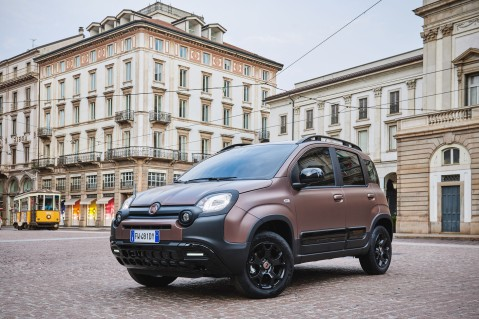 Fiat Panda City Cross Trussardi statique Milan citadine