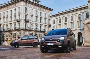 Fiat Panda City Cross Trussardi Caffè Italiano mat métallisé marron