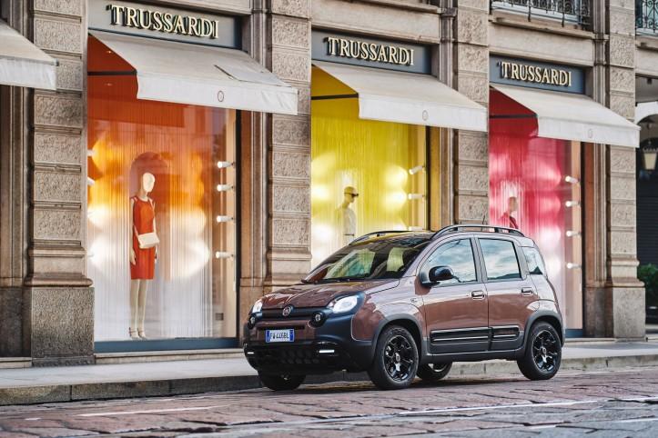 Fiat Panda City Cross Trussardi citadine profil jantes