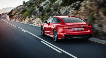 Audi RS7 Sportback 2019 arrière échappement feux
