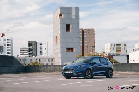 Essai Ford Fiesta ST 2019 citadine profil bleu performance sportive face avant