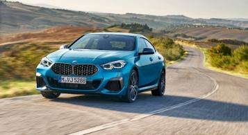 BMW Série 2 Gran Coupé 2019 face avant dynamique bleu