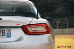 Essai Abarth 124 GT arrière feux détail logo
