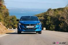 Essai Peugeot 208 2019 face avant calandre feux
