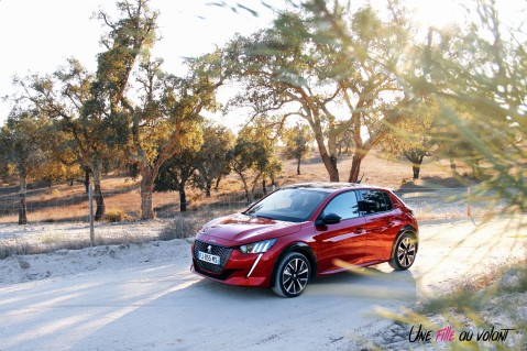 Essai Peugeot 208 2019 PureTech citadine essence rouge elixir