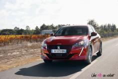 Essai Peugeot e-208 2019 dynamique face avant calandre