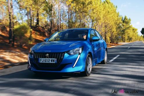 Essai Peugeot 208 2019 dynamique PureTech Allure bleu vertigo