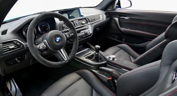 BMW M2 CS 2019 intérieur volant écran